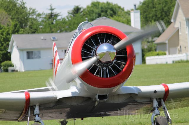 North American T-6 Texan (N87H) - The T6 starting her engine!