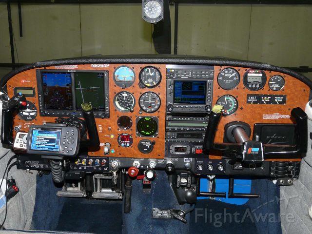 Piper PA-24 Comanche (N9264P)