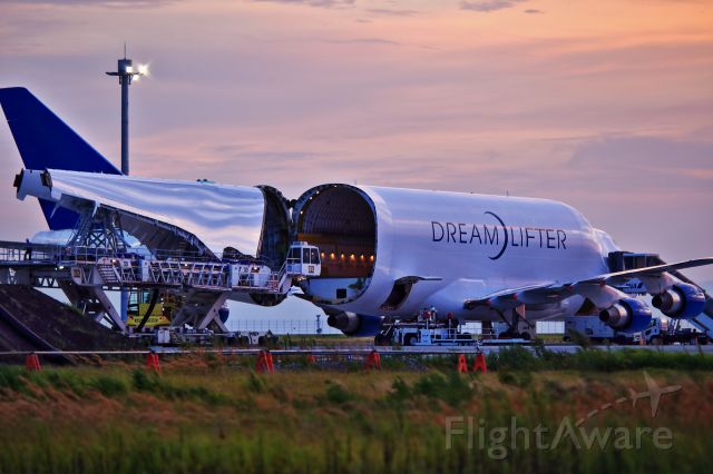 Boeing 747-200 (N747BC) - Dream Lifter, it is only 4 aircraft in the world that can carry dreams.