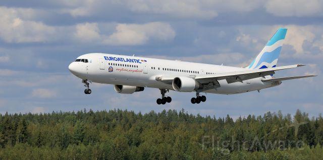 BOEING 767-300 (CS-TSV)