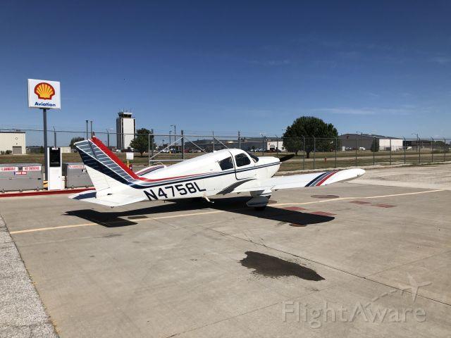 Piper Cherokee (N4758L)