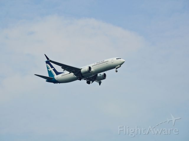 Boeing 737-700 (9V-MBA) - Silkair