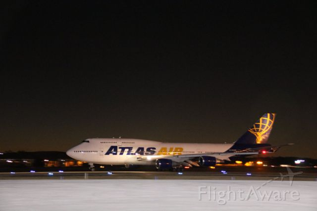 Boeing 747-200 (N646MC) - early evening departure from March ARB