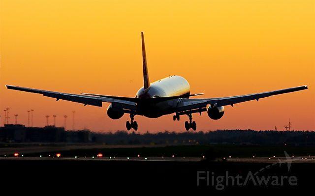 BOEING 767-300 (G-BNWS) - Landing on rwy 26.