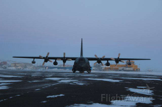 — — - Canadian Airforce refuel stop in Iqaluit. With dual inflight refuel pods.