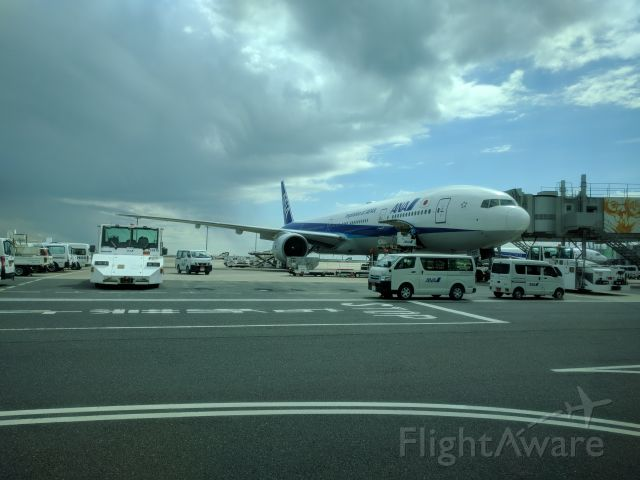 BOEING 777-300 (JA755A) - Fun views from the international terminal transfer bus