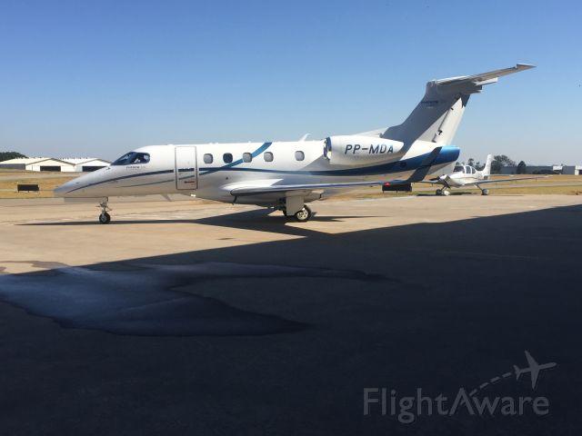 Embraer Phenom 300 (PP-MDA)