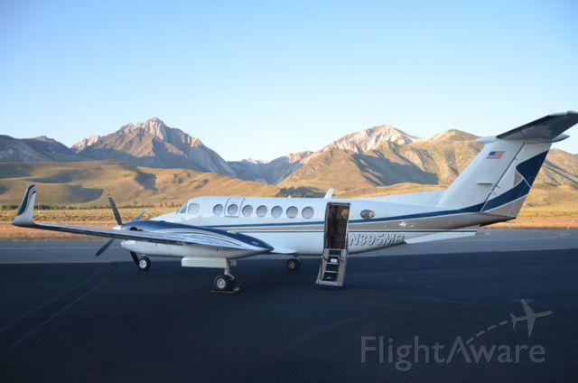 Beechcraft Super King Air 350 (N395MB) - N395MB AT MAMMOTH LAKES AIRPORT (KMMH)