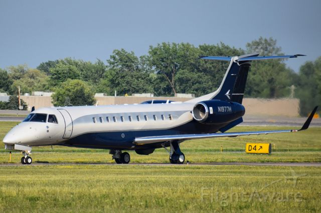 Embraer Legacy 600/650 (N1977H) - Privately Owned Embraer Legacy 650 taxiing to the FBO Ramp at the Buffalo Niagara International Airport