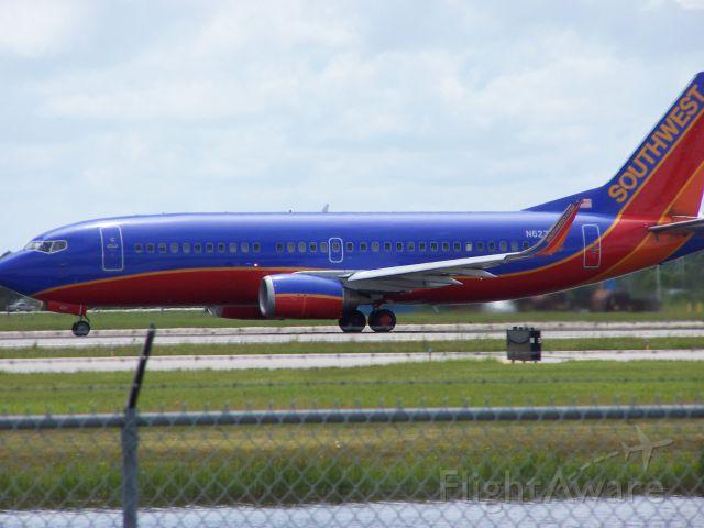 Boeing 737-700 — - SWA B737 departing RSW.