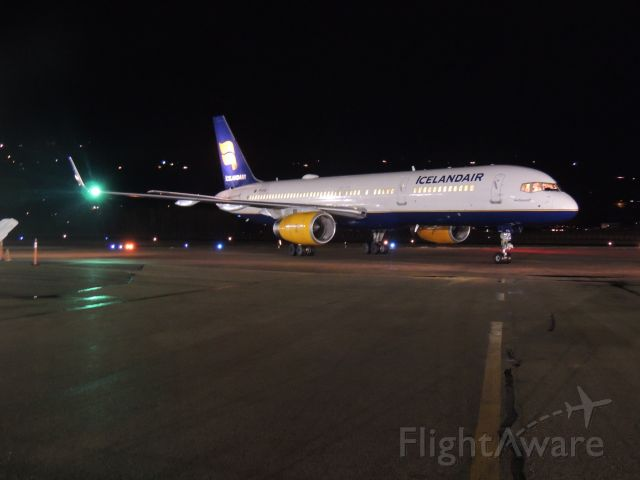Boeing 757-200 (TF-FIA)