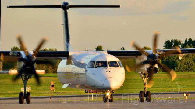 de Havilland Dash 8-400 (C-GLQQ)