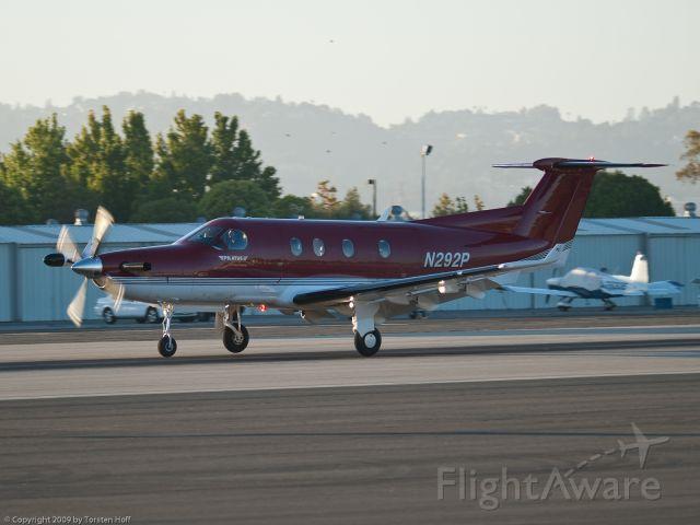 Pilatus PC-12 (N292P) - N292P arriving on RWY 21