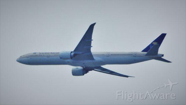 Boeing 777-200 (HZ-AK18)