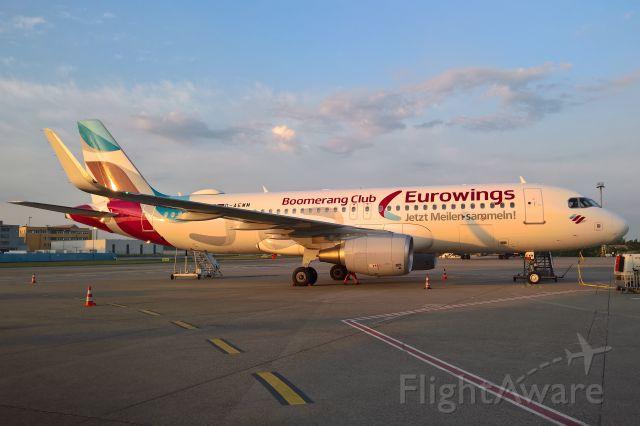 Airbus A320 (D-AEWM) - Bommerang Club
