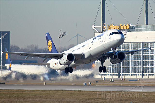 Airbus A321 (D-AIRB)