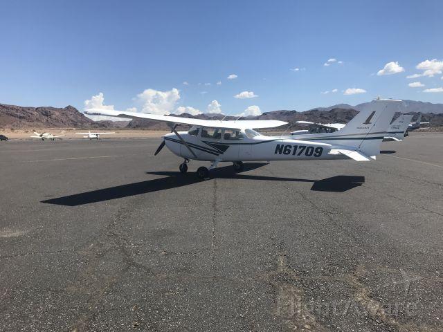 Cessna Skyhawk (N61709) - First Cross Country to KHII Lake Havasu City. Palm Springs Flying School