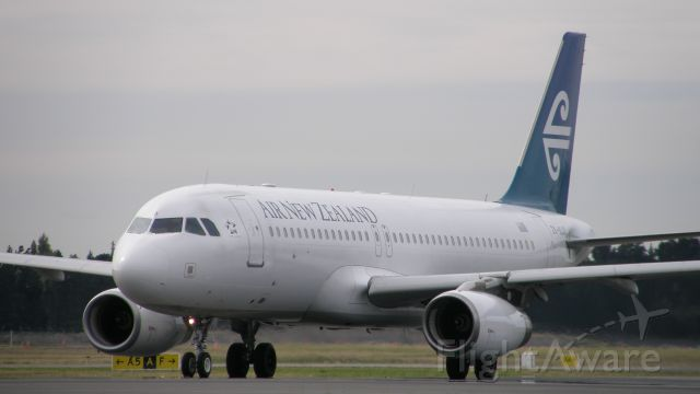 Airbus A320 (ZK-OJO)