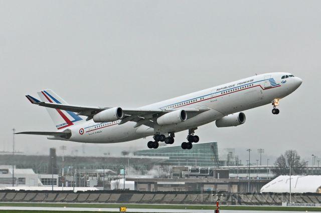 Airbus A340-200 (C-FAJA)