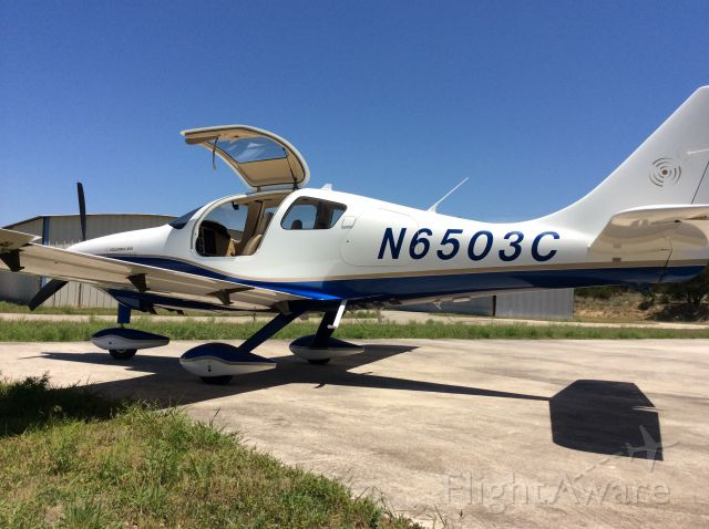 Cessna 350 (N6503C)