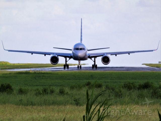 Boeing 757-200 (N194AA)