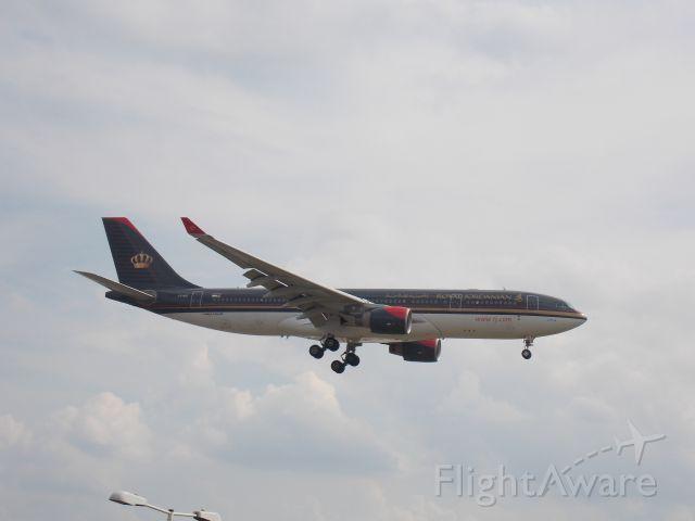 Airbus A330-200 (JY-AIE)