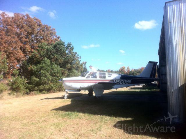 Beechcraft Bonanza (33) (N5609K)