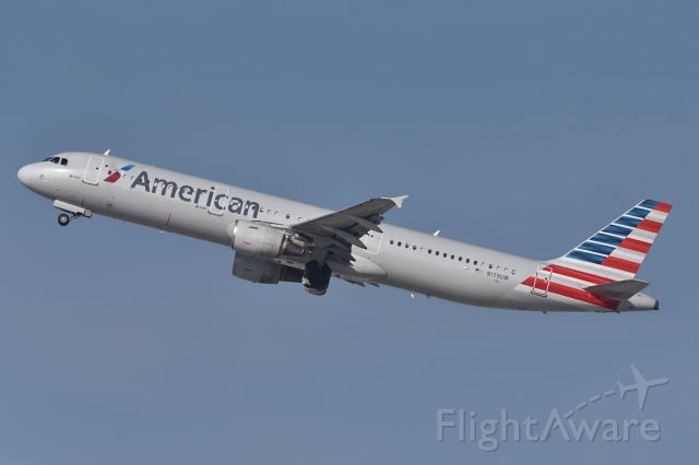 Airbus A321 (N179UW)
