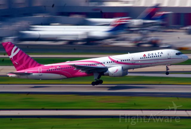 McDonnell Douglas MD-88 (N610DL) - I was Panning and Blurring this day.. with a good result on this one.. a very special plane since my wife is a very active supporter of the Breast cancer society..