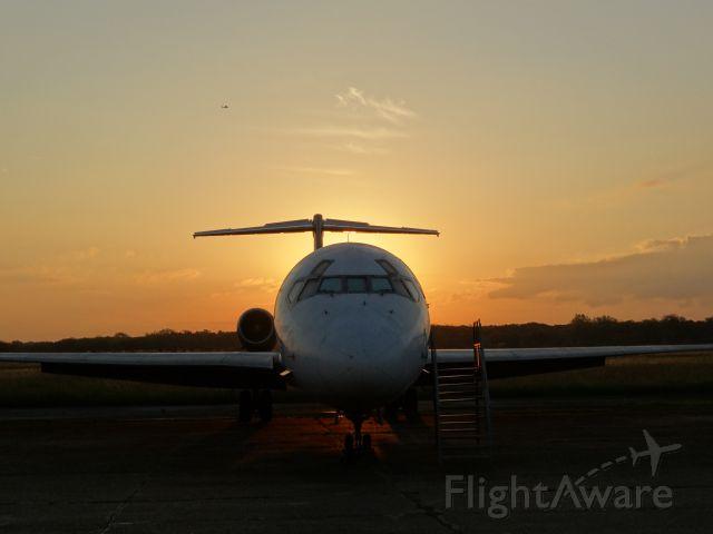 McDonnell Douglas MD-81 (LV-WFN) - McDonnell Douglas MD-81 (Museo Nacional de Aeronautica / Morón - Argentina)