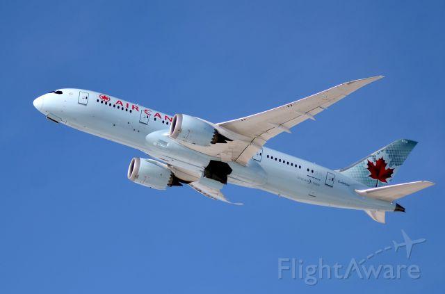 Boeing 787-8 (C-GHQY)