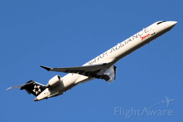 Canadair Regional Jet CRJ-700 (C-FUJZ) - Star Alliance Livery * Taken On 05-24-2011