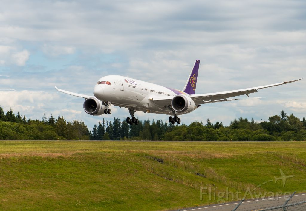 Boeing 787-8 (HS-TQA) - BOE588- the first Boeing 787-8 for Thai Airways (HS-TQA) on its approach to Runway 34L after completing B1 flight test