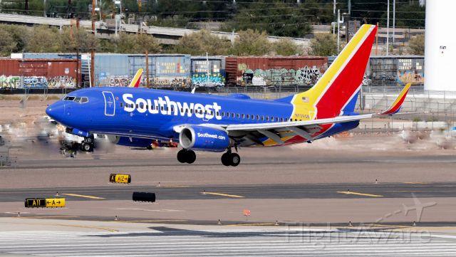 Boeing 737-700 (N739GB) - phoenix sky harbor international airport 14OCT19