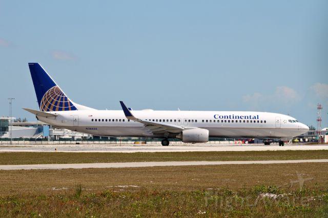 Boeing 737-800 (N38424)