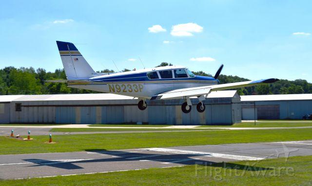 Piper PA-24 Comanche (N9233P) - Piper PA-24-260 Comanche 260 N9233P in Brighton