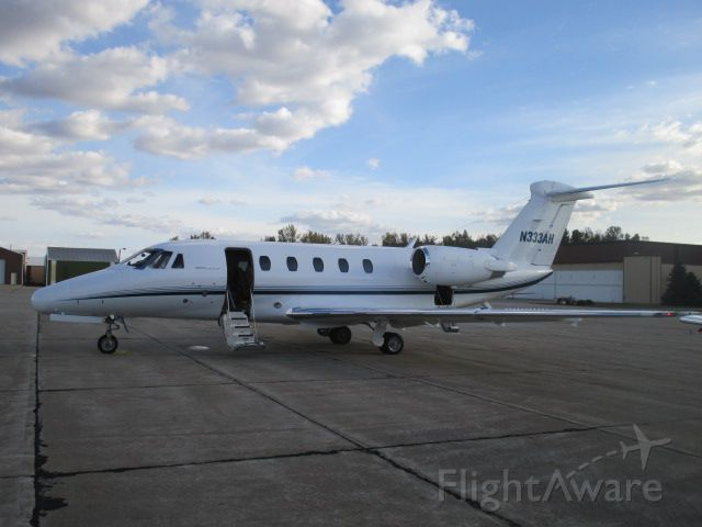 Cessna Citation III (N333AH) - Getting the airplane ready for an evening flight