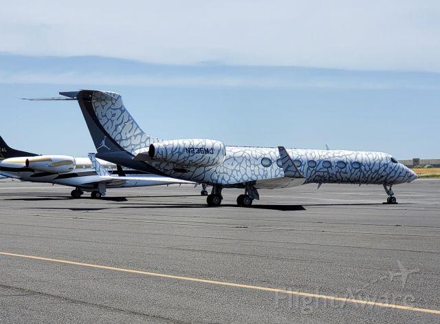 Gulfstream Aerospace Gulfstream V (N236MJ) - In town for wine and NASCAR.